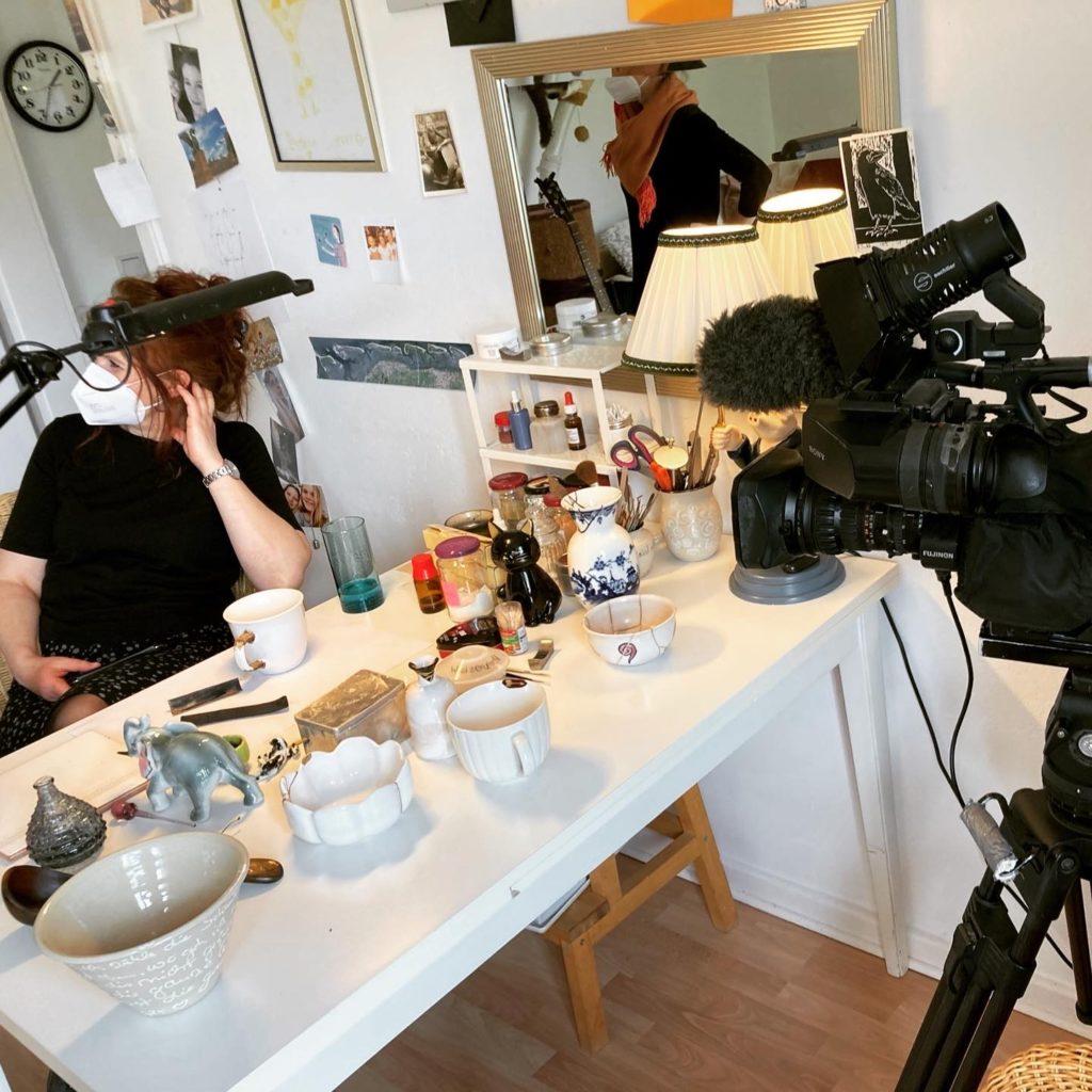 kintsugi-i-see Tamara Stadler im Filmbeitrag ARD-2021 Atelier Kamera